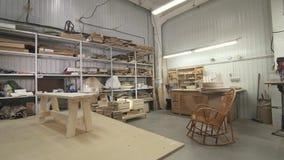 Vista del gruppo di lavoro della mobilia, colpo del carrello archivi video