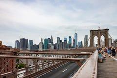 vista del horizonte de Manhattan y del puente de Brooklyn imágenes de archivo libres de regalías
