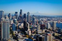 Vista del horizonte de Seattle de la aguja del espacio Fotografía de archivo libre de regalías