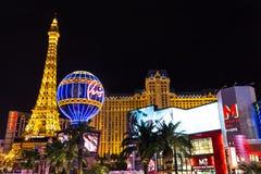 Vista del hotel y del casino de París Las Vegas en la noche, LAS VEGAS, los E.E.U.U. Foto de archivo libre de regalías