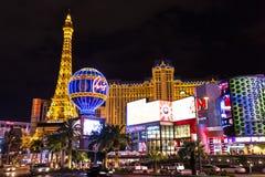 Vista del hotel y del casino de París Las Vegas en la noche, LAS VEGAS, los E.E.U.U. Imagenes de archivo