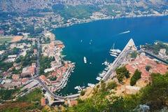 Vista del Kotor y de la bahía de Kotor Fotografía de archivo libre de regalías