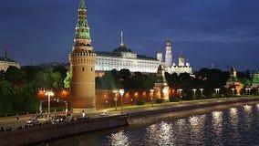 Vista del Kremlin y del río de Moskva, Moscú, Rusia--la vista más popular de Moscú almacen de video