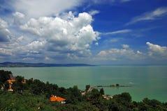Vista del lago Balaton dall'abbazia di Tihany Immagini Stock