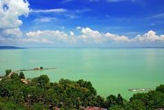 Vista del lago Balaton dall'abbazia di Tihany Fotografie Stock