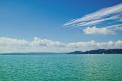 Vista del lago Balaton, Hungría Fotos de archivo