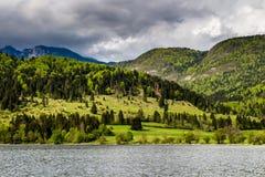 Vista del lago Bohinj en el parque nacional Eslovenia de Triglav fotografía de archivo libre de regalías
