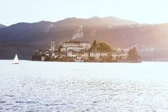Vista del lago Como Foto de archivo libre de regalías