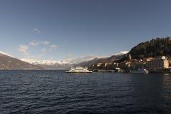 Vista del lago Como, Italia Imágenes de archivo libres de regalías