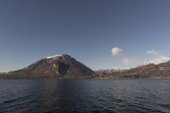 Vista del lago Como, Italia Imagen de archivo