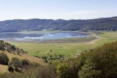 Vista del lago della montagna Fotografia Stock