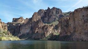 Vista del lago delle montagne Immagini Stock