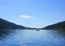 Vista del lago di geradmer in Francia fotografie stock