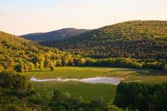 Vista del lago Doberdo Imágenes de archivo libres de regalías