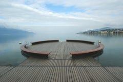 Vista del lago Ginevra e delle alpi Fotografia Stock Libera da Diritti