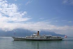 Vista del lago Ginevra e delle alpi Immagine Stock Libera da Diritti