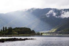 Vista del lago Kawakuchiko Immagine Stock