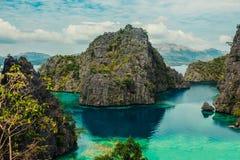 Vista del lago Kayangan in Coron, Filippine Fotografia Stock