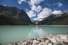 Vista del lago Louis Imagenes de archivo