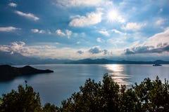 Vista del lago Lugu Fotografie Stock Libere da Diritti