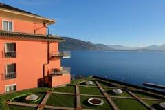 Vista del lago Maggiore Foto de archivo libre de regalías