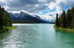 Vista del lago Maligne immagine stock