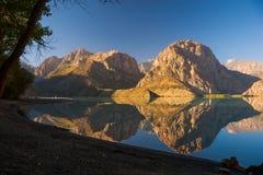 Vista del lago Mountainl Fotografia Stock