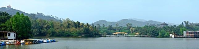 Vista del lago panorama Fotografie Stock Libere da Diritti