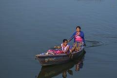 Vista del lago in Pokhara Immagini Stock