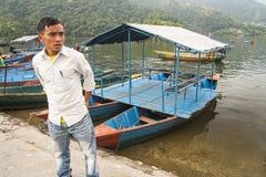 Vista del lago in Pokhara Fotografie Stock Libere da Diritti