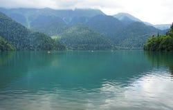 Vista del lago Rits Imagen de archivo