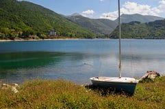 Vista del lago Scanno in Italia Fotografia Stock