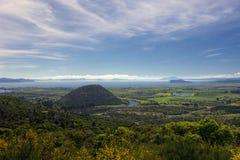 Vista del lago Taupo dall'allerta all'estremità del sud del lago, isola del nord, Nuova Zelanda Immagine Stock Libera da Diritti