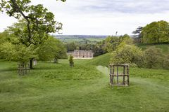 Vista del lato est della Camera del parco di Dyrham da una collina immagini stock