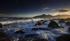 Vista del litorale di tramonto Immagine Stock