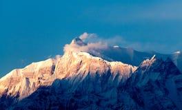 Vista del Machhapuchhare máximo himalayan, Pokhara, Nepal Imagenes de archivo