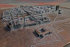 Vista del mapa de bronce viejo simbólico colocado en Libertad-cuadrado en Timisoara Fotografía de archivo libre de regalías