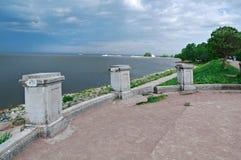 Vista del mar Báltico de los jardines Foto de archivo