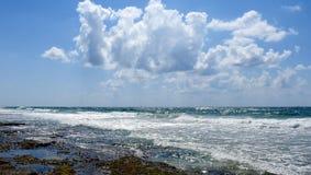 Vista del mar en verano imagen de archivo