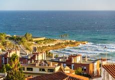 Vista del mar Mediterráneo en Tarragona, España Imagen de archivo libre de regalías