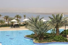 Vista del mar Morto dall'area di stagno di una dei fronte mare immagine stock libera da diritti