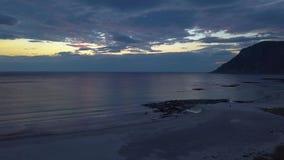 Vista del mar y del cielo de la tarde almacen de video