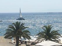 Vista del mar, yate Foto de archivo libre de regalías