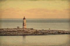 Vista del mare al piccolo faro di Torungen un l'inverno variopinto freddo fotografia stock