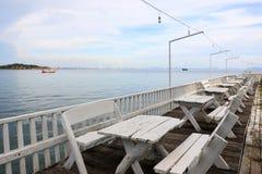 Vista del mare con il balcone fotografia stock