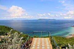 Vista del mare con il balcone Immagini Stock
