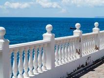 Vista del mare da un terrazzo Fotografia Stock Libera da Diritti