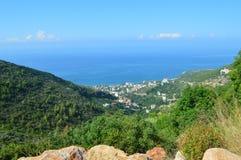Vista del mare dalla montagna fotografia stock
