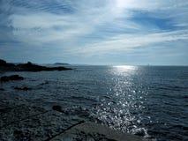 Vista del mare dalle isole del canale di Guernsey Fotografia Stock
