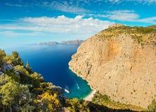 Vista del mare di Butterfly Valley e barca Oludeniz, Turchia Immagini Stock Libere da Diritti